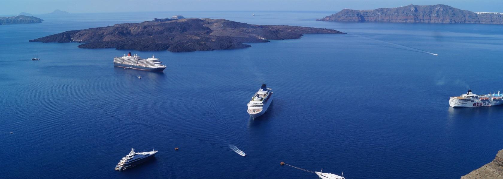 Loucas Hotel Santorini Greece Fira Hotels Santorini